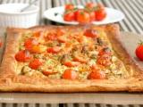 Тарт с пиле, песто и чери доматчета / Cherry Tomato, Pesto and ChickenTart